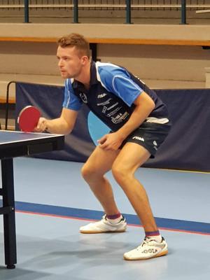 Elia Schmid blev schweizisk mästare 2014. Fem år senare spelar han med Norbergs bordtennisklubb i division 1. Foto: Privat