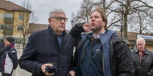 – Ulf Eneroth tog mig under sina vingar när jag började skriva för Bärgslagsbladet/Arboga Tidning, berättar Jakob Sillén. Han träffade sin gamla mentor på sitt besök i Köping.