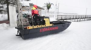 Sjöräddningssällskapets hydrokopter har fått namnet Leksand Sparbank Rescue.