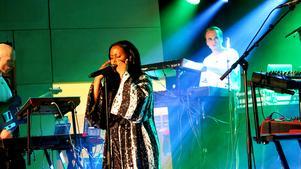 Cherrie live på Imagine Swedens riksfinal i Gävle konserthus.