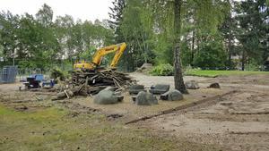 2016 försvann en av lekplatserna på Svarvargatan i och med nybyggnation.