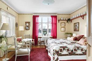 Ett av de många sovrummen. Foto: Stefan Stindberg/Diakrit