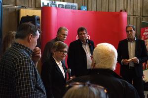 Lena Hjort Hultqvist, Ola Brossberg, Jan Bohman och Anders Berg deltog under informationsmötet.