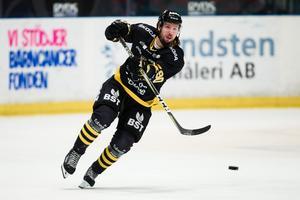 Robin Axbom har poängstarka säsonger i Norge och hockeyettan bakom sig, och har även spelat allsvensk hockey i AIK och Västerås. Foto: Bildbyrån