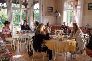 Afternoon tea på Nickebo med medlemmar från Vendela. Foto: Anki Grip