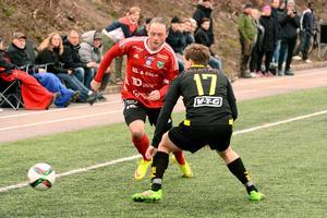 Alexander Sjöström, här i Valbotröjan, gjorde under augusti sju mål för sitt Åbyggeby. Arkivbild: Ossian Mathiasson.