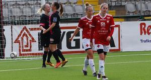 Linnéa Jensen firar ett av sina tre mål mot Östersund.