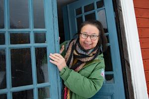 Kom gärna och titta in, är budskapet från Maria Norgren. Finns det intresse så ordnar hon visningar av Gamla stugan året runt.