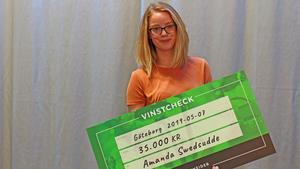 Amanda Swedsudde, som bor i Segersäng, belönas av Schneiderfonder för sitt arbete för att förbättra jämställdheten inom elbranschen. Foto: Schneider Electrics