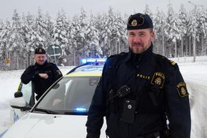 Joakim Emanuelsson med sin kollega.