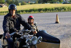 Kerstin och Gunnar Isaksson från Lit kör en Indian -49.