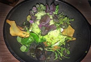 Vegetarisk förrätt med finess är denna variant på jordärtskocka med svamp.