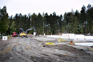 Bygget är i gång. Snart gjuts plattan, som den nya förskolan ska stå på.