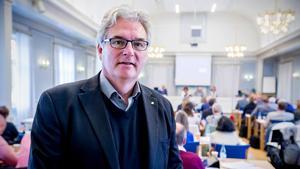 Den före detta landstingsdirektören Anders L Johansson ska också förekomma i hemliga ljudinspelningar som  före detta personaldirektören Lena Thelin har gjort.  Thelin förnekar men regionrådet Erik Lövgren bekräftar.