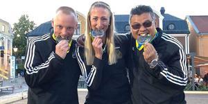 Ronny Blom och lagkamraterna Therese Broberg och Chai Kedeskog vann silver i Boule-SM i Linköping.