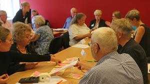 Valnämnden i Nynäshamn räknade röster, tillsammans med inkallade rösträknare och personal från Nynäshamns kommuns kansliavdelning.