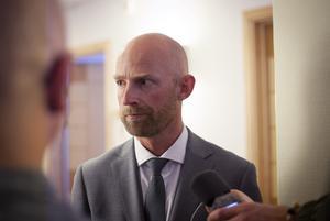 Åklagare Niklas Jeppsson har bemött försvarets yrkanden om återförvisning. Arkivbild från rättegången i höstas.