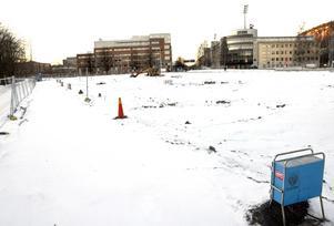Nu byggs hotell på Norrmalmsparkeringen som nyttjats av många besökare till GIF Sundsvalls hemmamatcher.