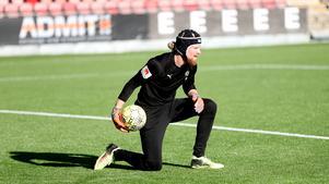 Mathias Karlsson lämnar ÖSK efter två säsonger.