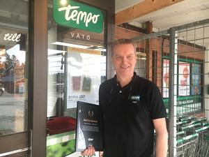 Tempo på Vätö och livsmedelshandlaren Timo Lehtisalo.