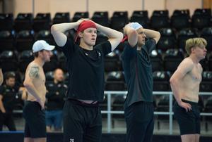 Joel Wahlgren och Mathias From pustar ut.