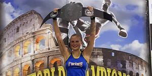 Timråbon Linn Viksell tog hem VM-titeln i kickboxning.
