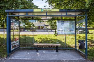 Mängder av busskurer har krossats i Sundsvall sedan i helgen.