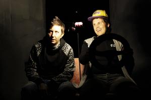 Teater Tropos spelar