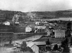 Bilden tagen någon gång före 1878, då järnvägen kom till Bräcke.