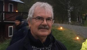 Lars-Ola Norén är vice ordförande i den ideella föreningen Västanåfallet natur & kulturcentrum och en av dem som är med och fixar kring Västanåfallet i ljus.