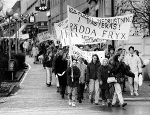 Demonstrationer för att rädda Fryx. 1990 11 30.