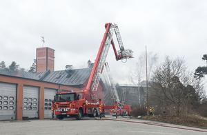 Branden i gamla brandstationen härjade på vinden.