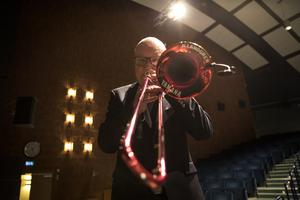 Under Blåsmusikens dag gästade Nils Landgren på scenen och spelade med kulturskolans elever.