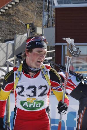 Fredrik Lindström pustar ut efter att ha vunnit SM-helgens sprintlopp med 17 sekunder före Carl-Johan Bergman