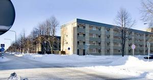dagens hörna. Hörnet Brynäsgatan och Tredje tvärgatan i dag. Inga affärer, bara bostadshus