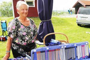 Kerstin Bohlin tillverkar sina  smycken själv.