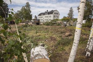 Tomten ligger centralt i Sveg och nu finns inget kvar av gamla Hagmans Pensionat.