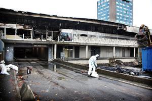 Polisen kan inte utreda branden på Bjurhovda centrum.