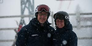Odd Guteland och Cinnika Beiming i snöfallet i Duved.