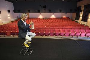 Trollkarlen Joe Labero kommer bjuda på en mix av sina favoriter på en avskalad scen. Foto: Axel Öberg