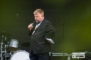 Konferencier Stefan Åsander höll en tyst minut för Bengt Bengan Norberg, innan han förklarade festivalen för påbörjad.