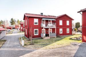 Tvårumslägenhet med tillgång till egen odlingslott i Hälsinggården. Foto: Kristofer Skog