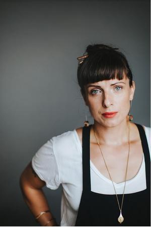 """Nina Wähäs senaste roman """"Testamente"""" (Norstedts, 2019) har av många tippats bli nominerad till Augustpriset i år. Författaren kommer till Nynäshamns bibliotek torsdag den 10 oktober. Foto: Pressbild"""