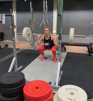 Josefine Heikka på gymmet.