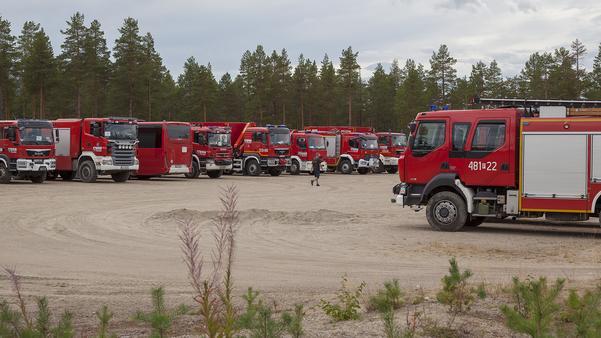 Aldrig har så många brandbilar stått parkerade tillsammans på en yta i Sveg...