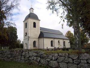 Namnet Odensvi kyrka, alltså Odens altare, är ett av många tecken på hur stillsamt och försonande övergången från hedendom till kristendom var i Sverige. Foto: Zeth Johansson