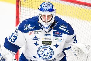 Axel Brage står i Leksands mål mot Västerås. Foto: Dennis Ylikangas/Bildbyrån