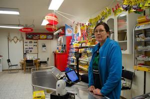 Marie Hellbom jobbar i butiken sex dagar i veckan.