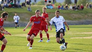 Matchbild från senast Hede och Ytterhogdal möttes i en tävlingsmatch på Söderåsen. Året var 2014 då lagen låg i fyran. Ytterhogdal vann med 5-1 då och därefter med 10-2 hemma på Svedjevallen samma säsong. Arkivbild:Håkan Persson