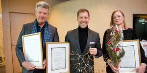 Peter Westerlund, Björn Nordén – Årets västmanlänning 2019 – och Pernilla Börjesson. Den handgjorda misteln kan inte köpas utan tillverkas endast för detta sammanhang.